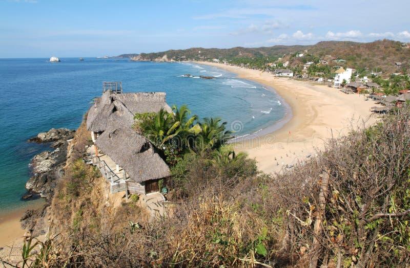 La playa de Zipolite en el estado de Oaxaca imagen de archivo libre de regalías