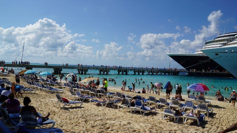 Download La Playa Del Gobernador En Turk Island Magnífico Foto de archivo editorial - Imagen de escena, relajación: 64201273