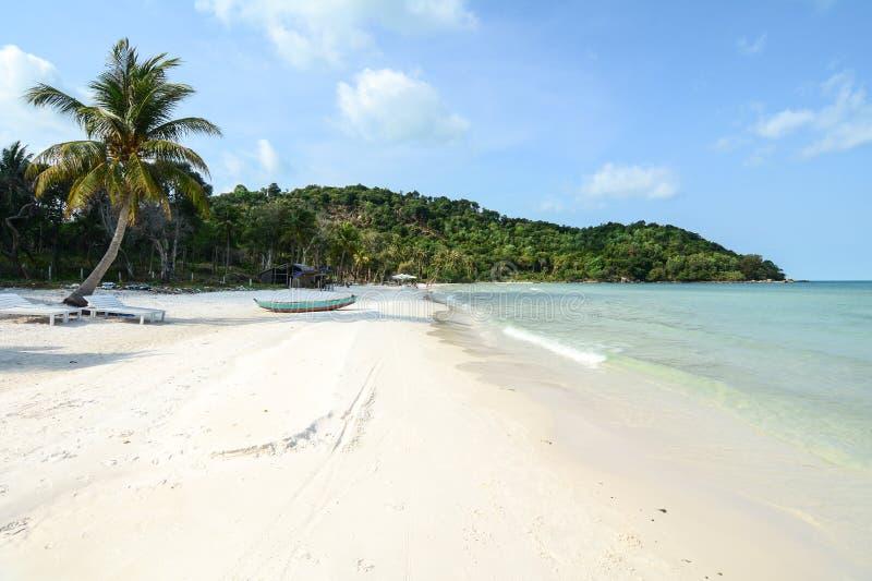 La playa hermosa en Phan sonó, Vietnam fotos de archivo libres de regalías