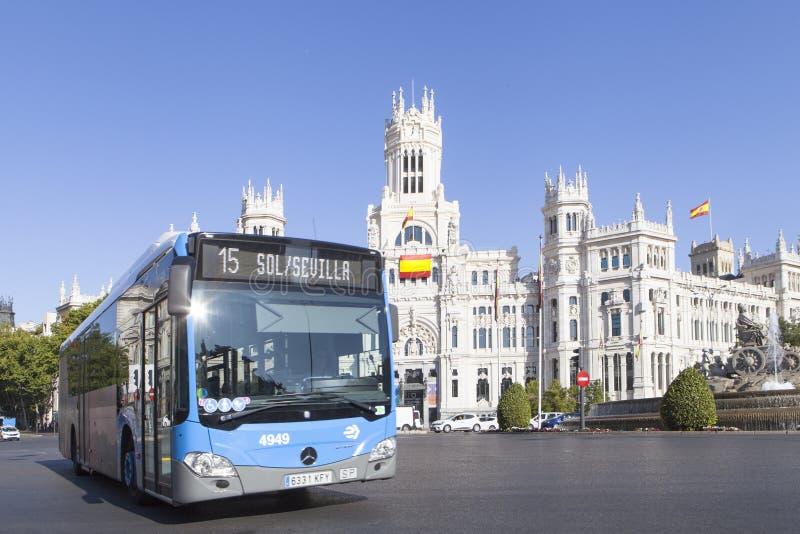 La plaza de Cibeles en Madrid, España imagenes de archivo