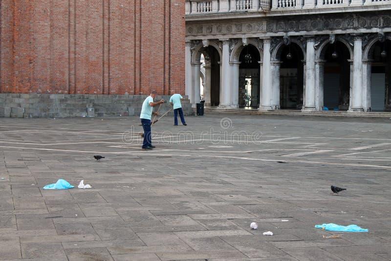 La Plaza de San Marcos vacía en Venecia Italia temprano por la mañana fotografía de archivo libre de regalías