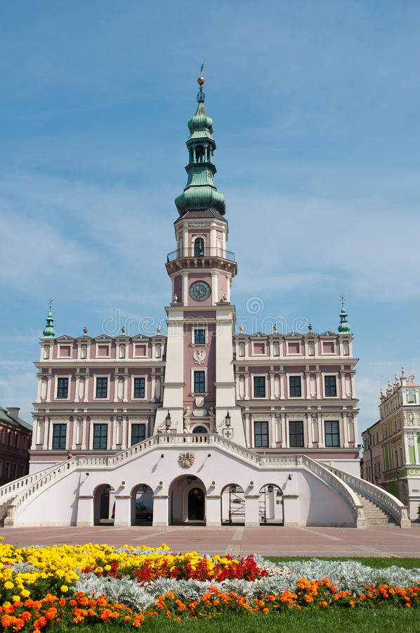 La plaza del mercado principal en Zamosc imagen de archivo libre de regalías