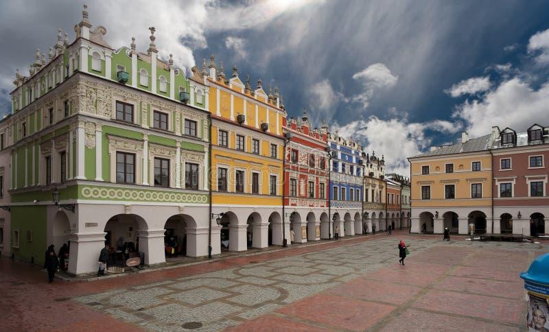 La plaza en Zamosc foto de archivo