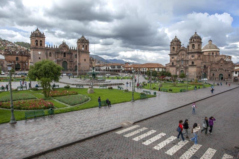 La Plaza hermosa de Armas en Cusco en Perú fotos de archivo