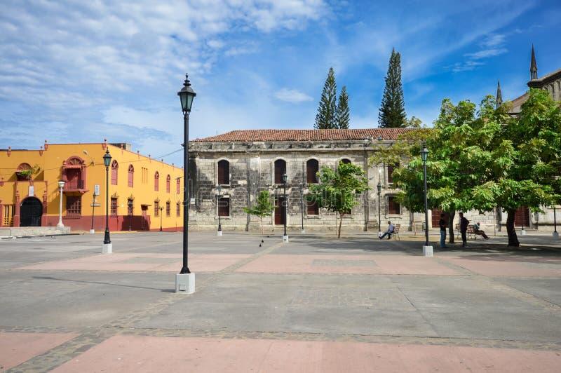 La plaza principal de León, Nicaragua fotos de archivo