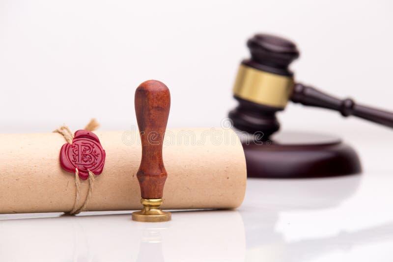 La pluma y el sello públicos del ` s del notario en el testamento y el último lo van a hacer Notario público fotos de archivo libres de regalías