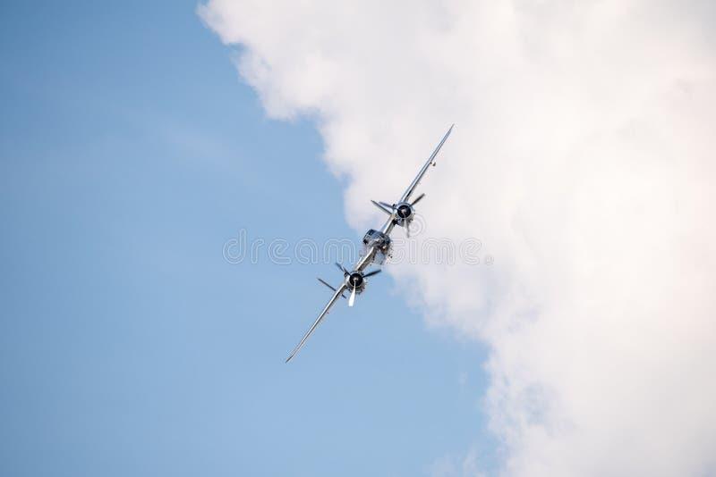 La POLARISATION internationale de salon de l'aéronautique de Bucarest, les taureaux NORD-AMÉRICAINS de vol de ` de MITCHELL de `  image stock