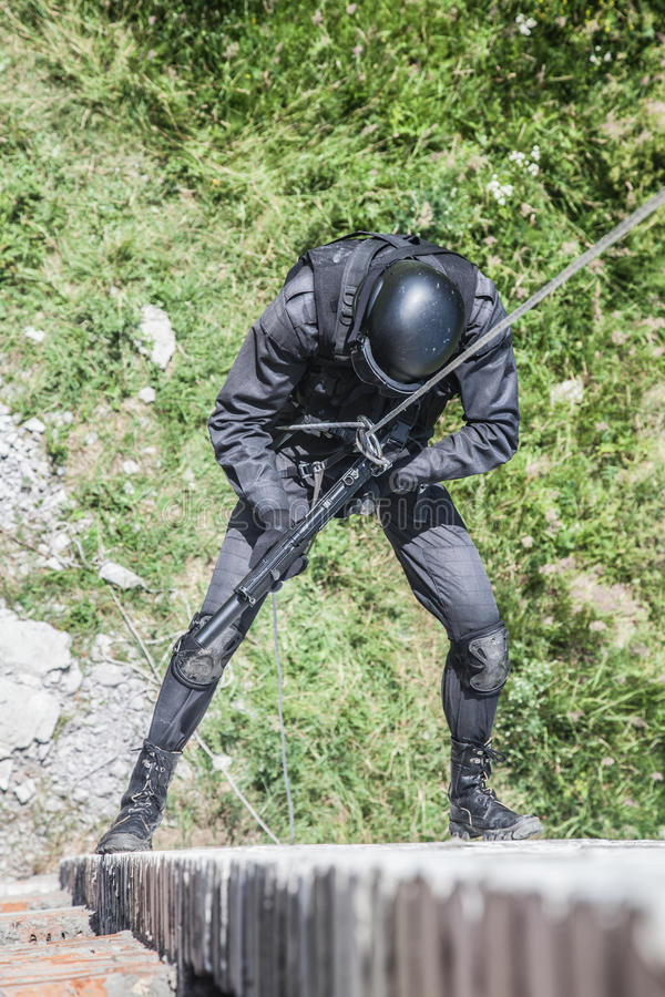La police assaille l'opération images libres de droits