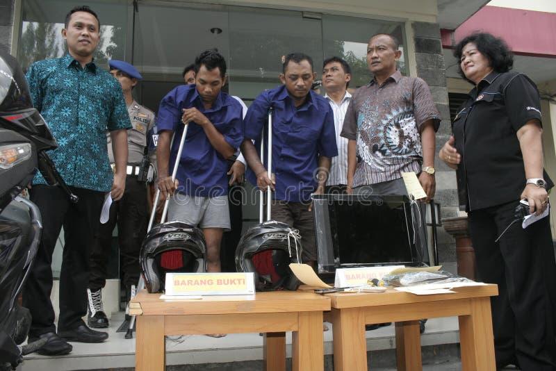 La polizia custodice lo scassinatore Shot fotografia stock