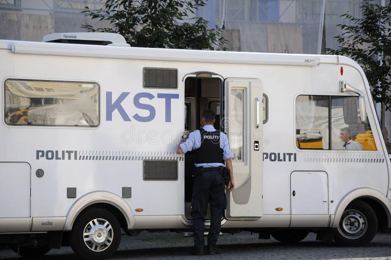 LA POLIZIA DANESE DA COPENHAGHEN DISPONE fotografie stock libere da diritti