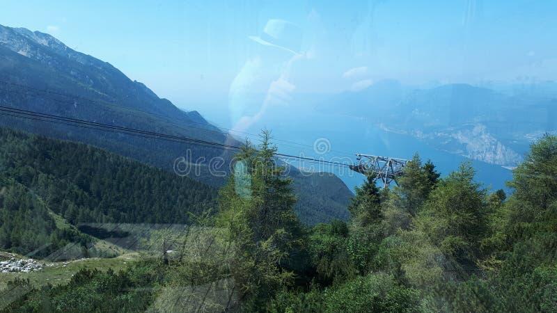 La polizia del lago italy di paesaggio immagini stock libere da diritti