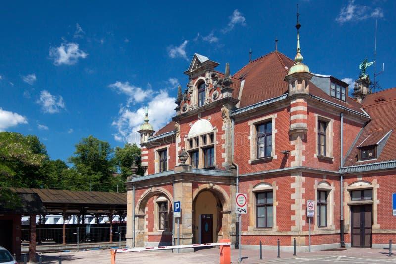 LA POLOGNE, DANZIG - 7 JUIN 2014 : La station du train principale du bâtiment photos libres de droits