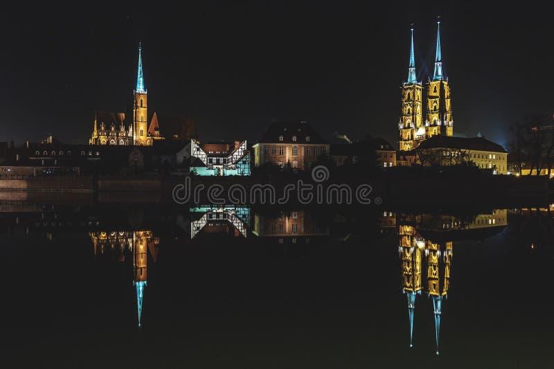 La Polonia, 'aw di WrocÅ: ³ w Tumski di Ostrà di notte immagini stock libere da diritti