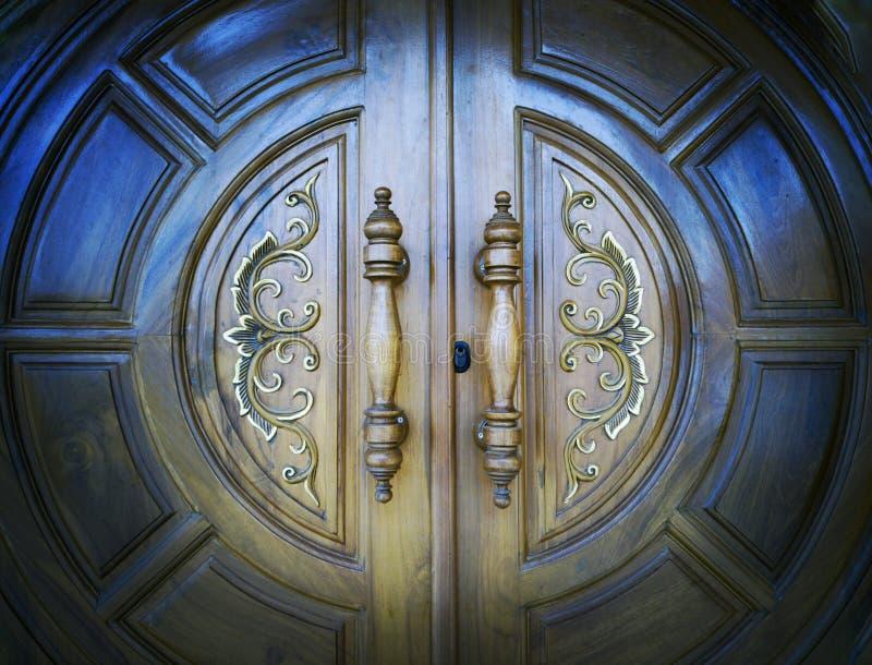 La porta di legno fotografia stock
