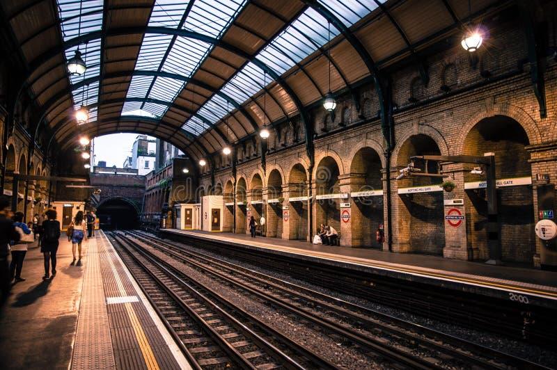 La porte de Notting Hill est une station de métro de Londres dans la rue photographie stock libre de droits