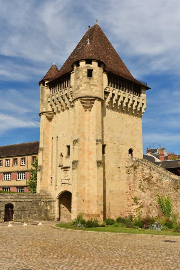 La Porte du Croux situado en Nevers, Francia foto de archivo