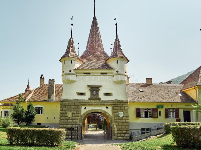 La porte du ` s de Catherine est seulement porte originale de ville avoir survécu des périodes médiévales en Brasov, Roumanie image stock