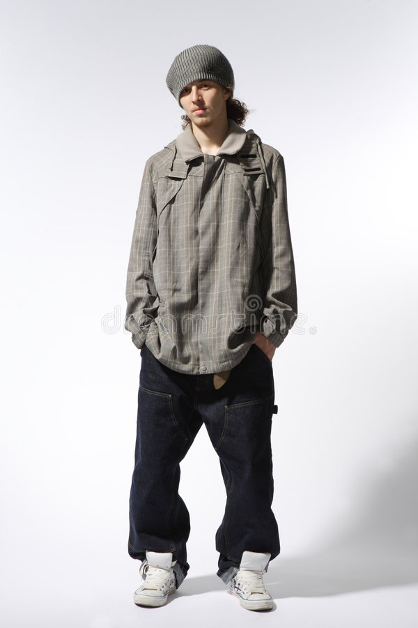 La posizione del danzatore di hip-hop immagine stock