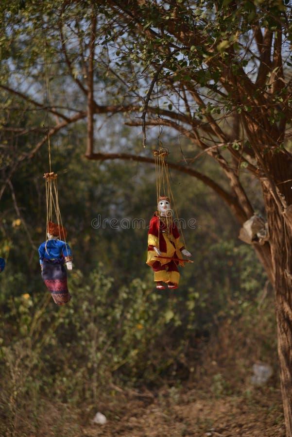 La poupée traditionnelle birmanne de marionnette handcraft photo libre de droits