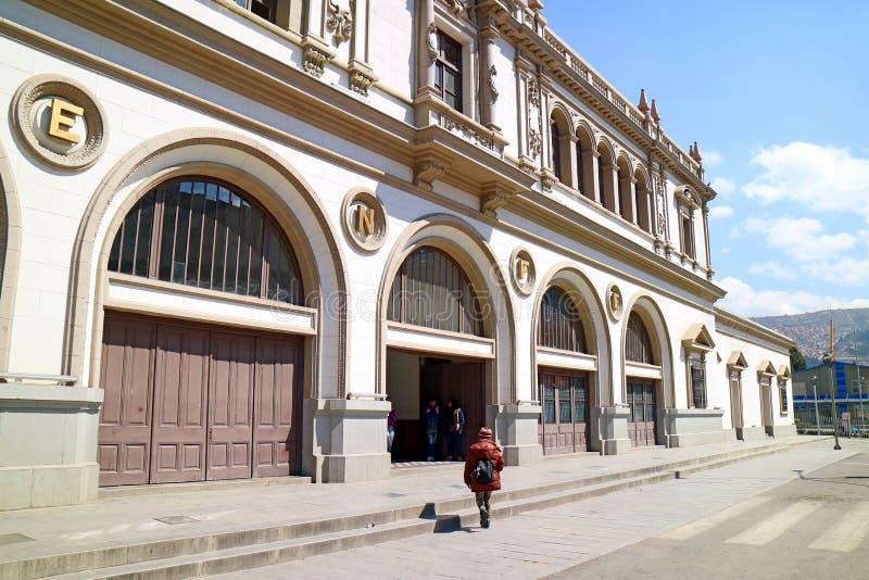 La precedente La Paz Central Train Station Is ora la stazione in La Paz del centro, Bolivia della cabina di funivia di MI Telefer immagine stock libera da diritti