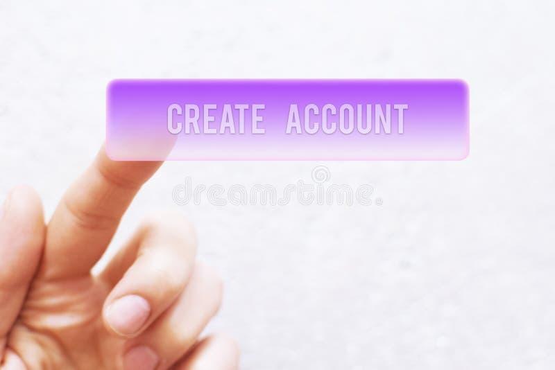 La pressatura del dito crea il bottone di conto fotografie stock libere da diritti