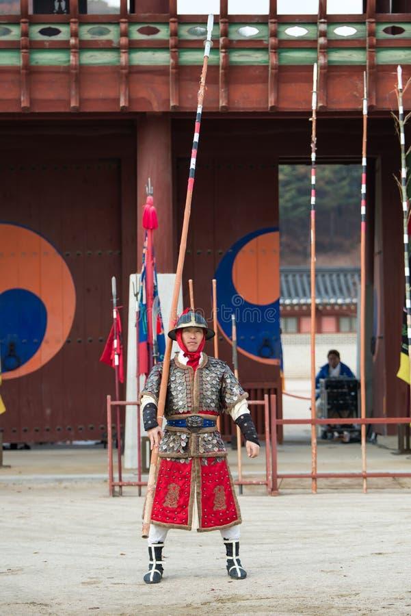 La prestazione di prova di arti marziali tradizionali, il 23 dicembre 2016, Gyeonggi-fa, Suwon-si, Corea del Sud fotografia stock