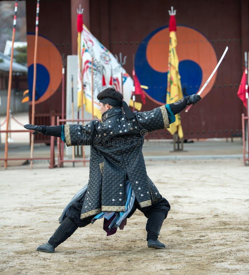 La prestazione di prova di arti marziali tradizionali, il 23 dicembre 2016, Gyeonggi-fa, Suwon-si, Corea del Sud immagini stock libere da diritti