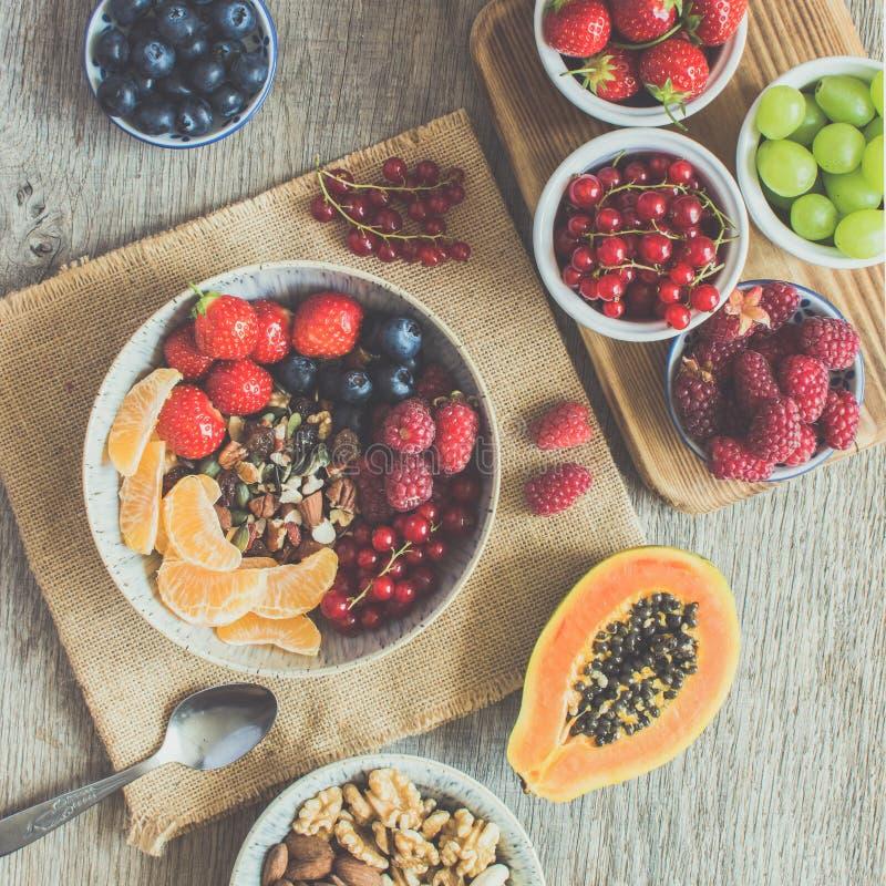 La prima colazione di stile di Paleo, grano libera il granola immagine stock