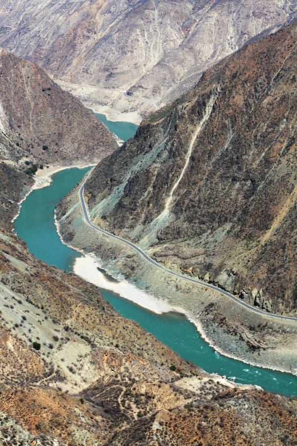 La primera curva del río de Yangtze fotografía de archivo