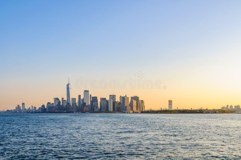 La primera luz sobre Lower Manhattan, NYC, los E.E.U.U. fotos de archivo