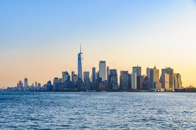 La primera luz sobre Lower Manhattan, NYC, los E.E.U.U. foto de archivo libre de regalías