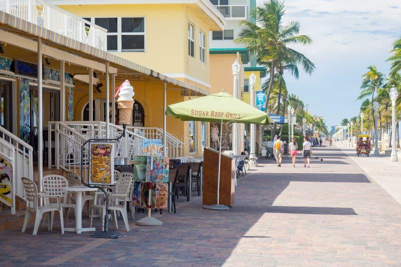La promenade célèbre de plage de Hollywood en Floride images libres de droits