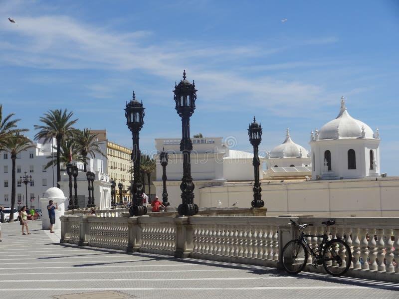La 'promenade' de Cádiz, España foto de archivo libre de regalías