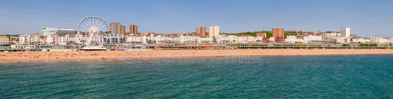 La promenade et le bardeau de Brighton échouent des sud est du Sussex de panorama image stock