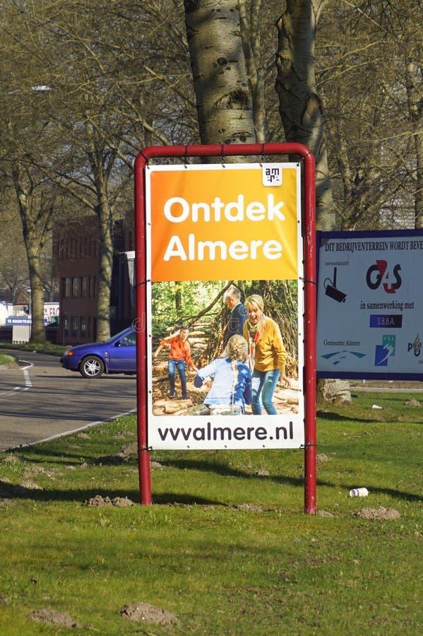 La publicité de panneau d'affichage pour découvrir la ville d'Almere photo libre de droits