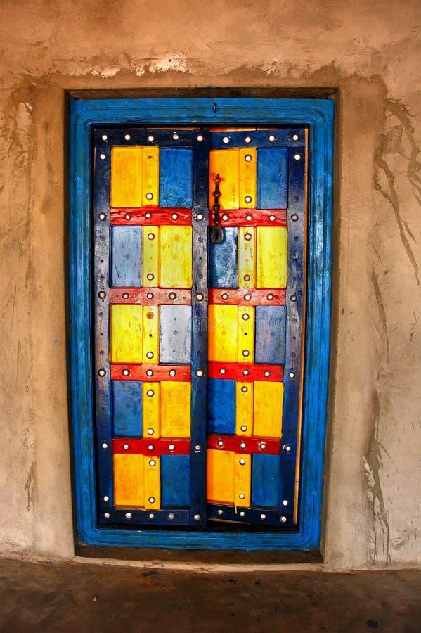 La puerta colorida. imagen de archivo libre de regalías