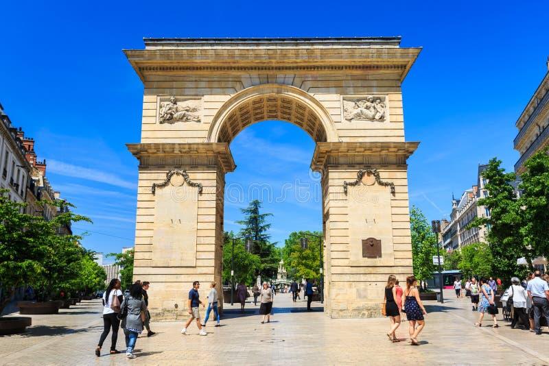 La puerta de Guillaume en el cuadrado de Darcy en Dijon, Borgoña, Francia foto de archivo
