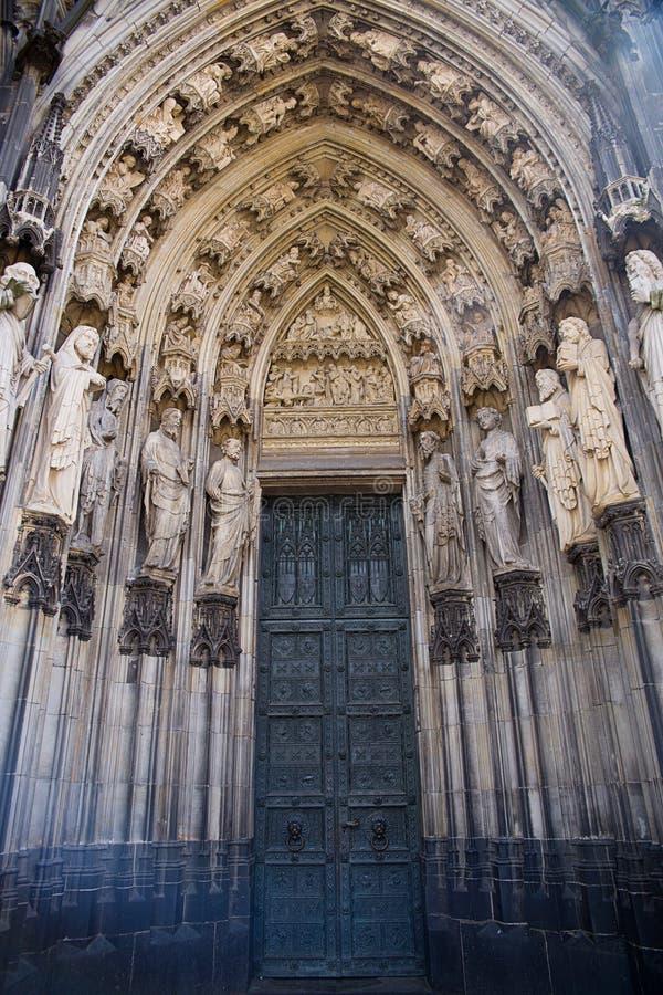 La puerta de la catedral de Colonia foto de archivo