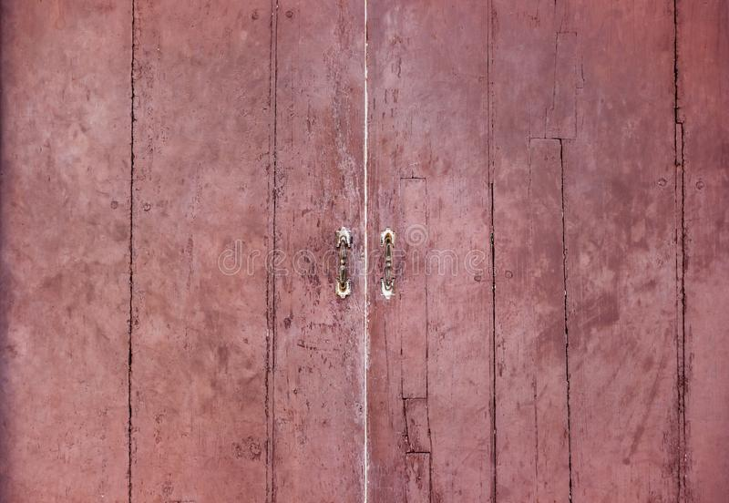 La puerta retra del viejo vintage hecha de la madera dura De madera marrón grande imagen de archivo libre de regalías