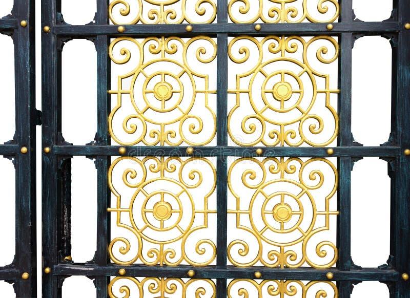 La puerta vieja modela el fondo aislado las aleaciones imagenes de archivo