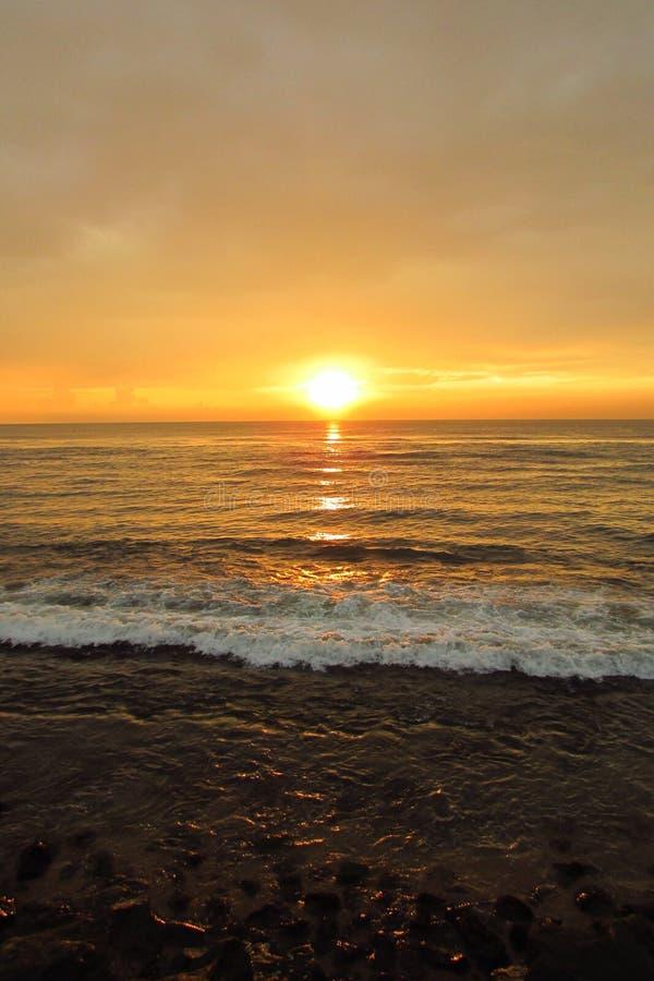 La puesta del sol de la tarde fotos de archivo libres de regalías