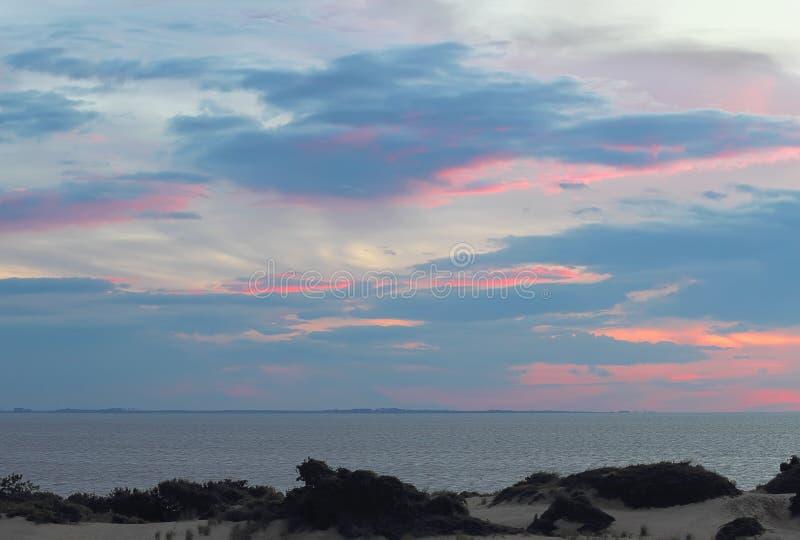La puesta del sol en quejas dirige, Carolina del Norte foto de archivo