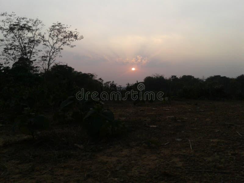 La puesta del sol hermosa fotografía de archivo libre de regalías