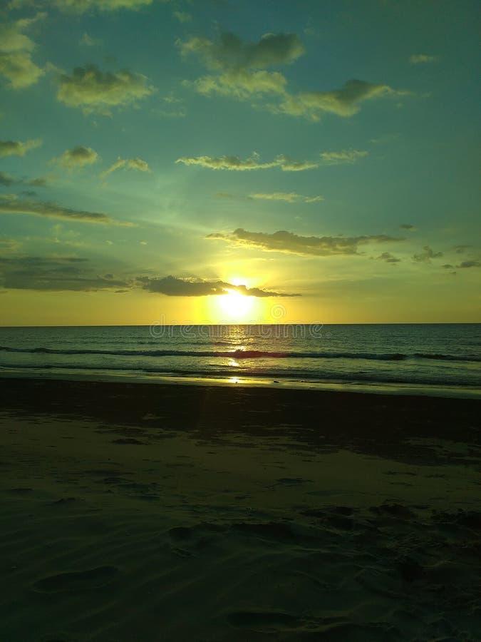 La puesta del sol majestuosa imagen de archivo libre de regalías