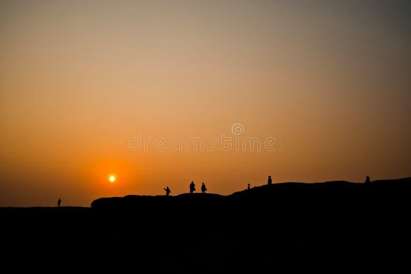La puesta del sol no vista en la roca agujerea la visión de piedra Sam Pan Bok Grand Canyon, imagen de archivo