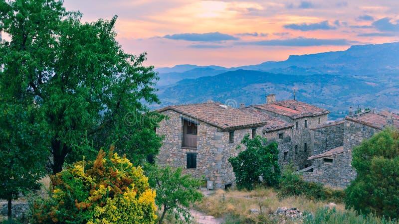 La puesta del sol sobre Cataluña imágenes de archivo libres de regalías