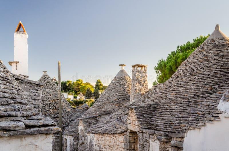 La Puglia, Alberobello images stock