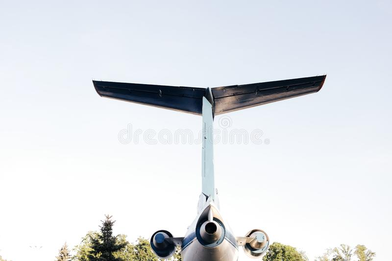 La queue d'un grand avion de transport de passagers image libre de droits