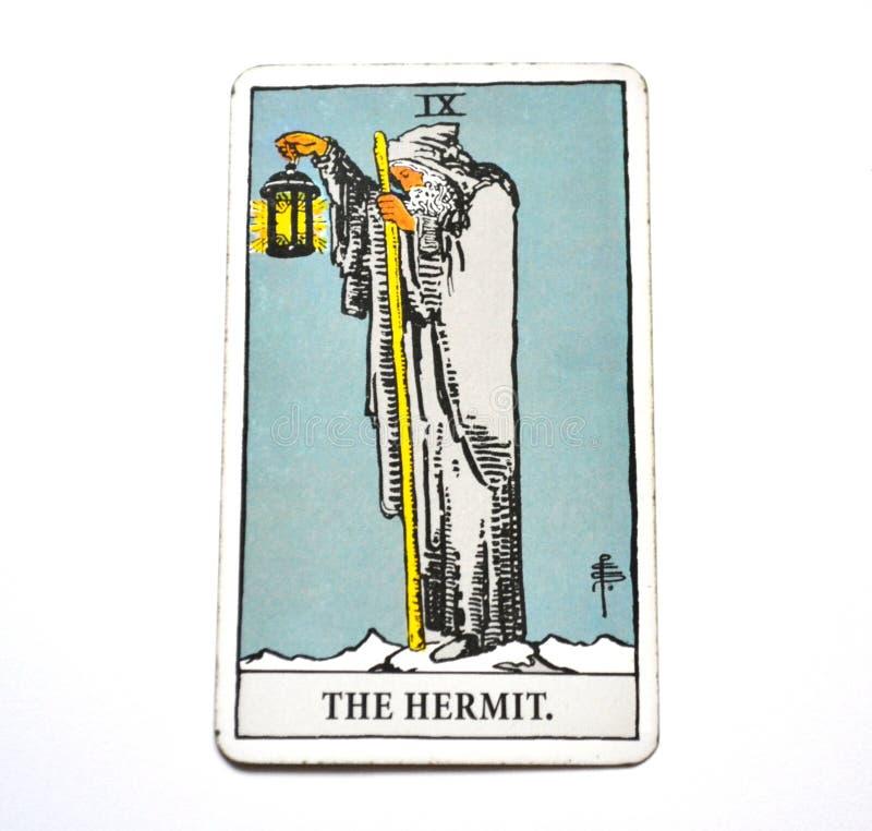 La réflexion de carte de tarot d'ermite écoutant vous-même consultation de méditation photographie stock libre de droits