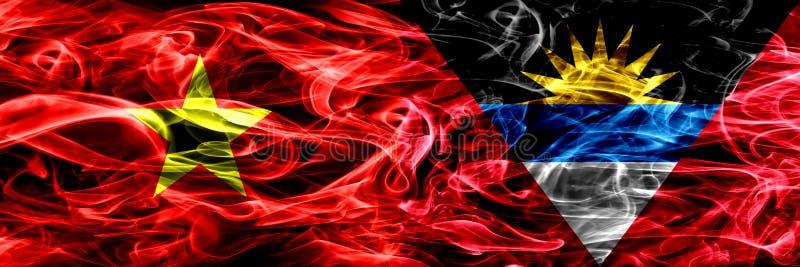 La république Socialiste du Vietnam contre des drapeaux de fumée de l'Antigua-et-Barbuda a placé côte à côte Drapeaux soyeux colo illustration libre de droits